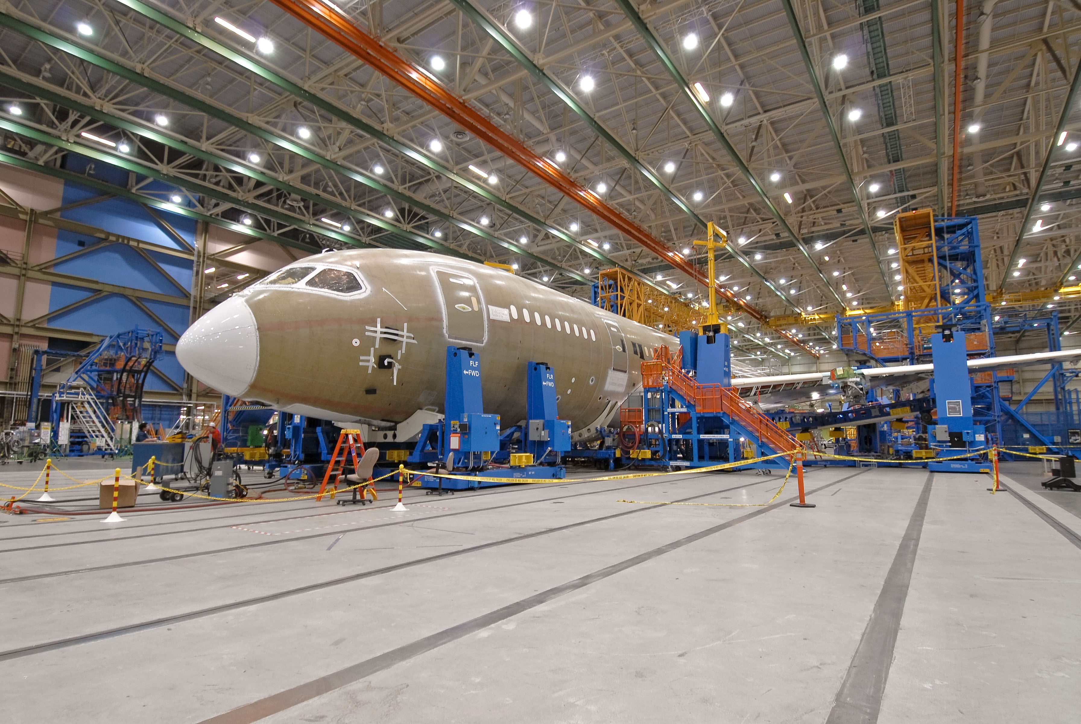 "Fifth ""Flight Test"" 787 Moves into Assembly"