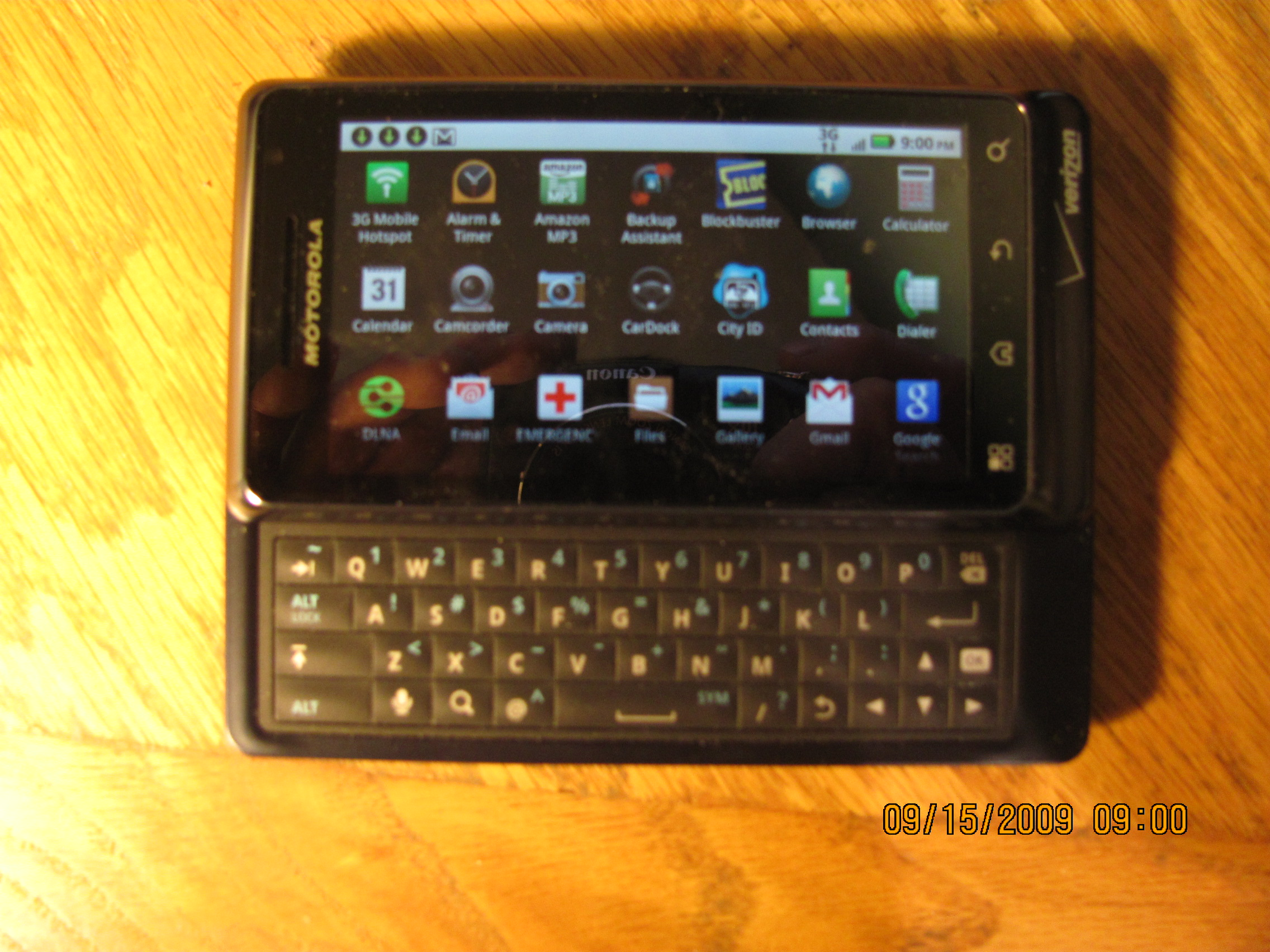 Droid 2 Marginally Improves on Original Droid
