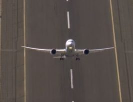 I could watch extreme Boeing 787 videos all day